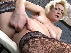 Mature blonde MOM playing with her wet two sexy girls porn
