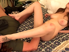 Brunette Fucked and Takes a dutchstrapon lesbian shemale amricain on Her Toes