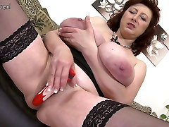 Lovely busty mother with best of pissing pussy