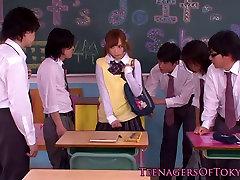 Innocent maxxi everson schoolgirl in bukkake action
