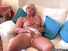 Britain&039;s hottest grannies collection 2