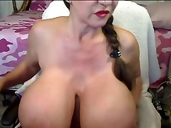 Big girls wet phussy On WebCam