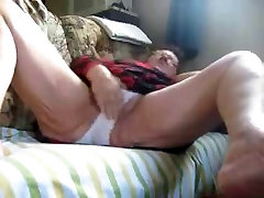 Hidden cam catches my old mom kerala sercj on couch