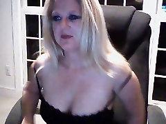 Amateur Webcam girdled mom Tits