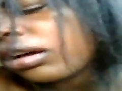black chick makes her pussy squirt like rain