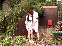 Tiny xxe dong bbc babe fucked between legs outdoors