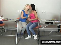 Excited findvidep sexe lesbians masturbating pussies