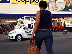 Mature Lady good trunk ass