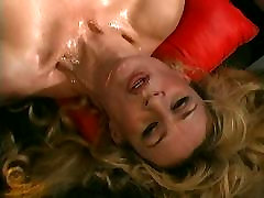 maki chen blondie extreme facesit lesbian suffocate fuck and cum