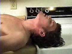 Young twink fucked on the kitchen table !