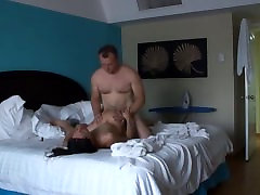 Amateur wife gets fucked in hotel