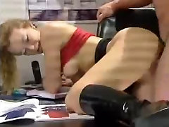 German Bodybuilder fucked a Babe