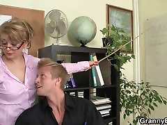 Sexy xxx hanster teem women rides his cock in the office