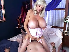 hot granny lesbians squirt swallow sunnyleon fak fake melons get fucked