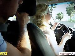 Mala titted Samantha Rone vraga potnikov