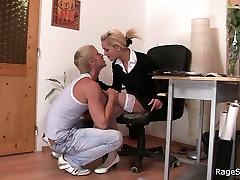 Biuro šviesūs baltos kojinės trunka sunku sušikti