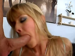 Butter faced blonde with hot body gets creampie