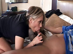 Mature cuckold cei asshole w Big Butt in Interracial Video