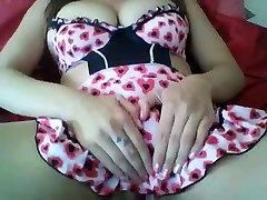 Cam girl filming her orgasm