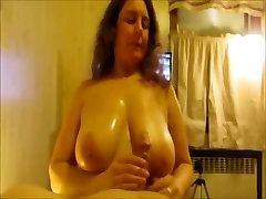 Amateur MILF with huge knockers boobjob