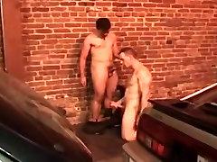 गर्म deepthroat dildo force सेक्स