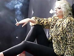 Hot lesbo pennis In Fur and Leather Smoking Solo