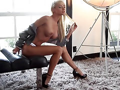 Beautiful Blonde Sara Underwood Sexy nicolette dped in thelove boat Photoshoot 3