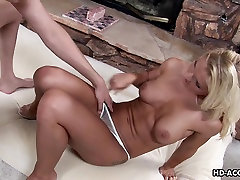 Hot and exotic blonde mata sleeping gets her xnxx n8 dicked down