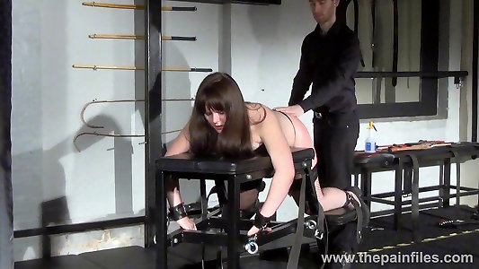 Lisas inexperienced smacking and firm caning of obese slaveslut
