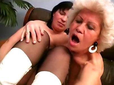 Lesbo Grannie Pornography