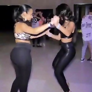 dance sumptuous wif in stretch pants