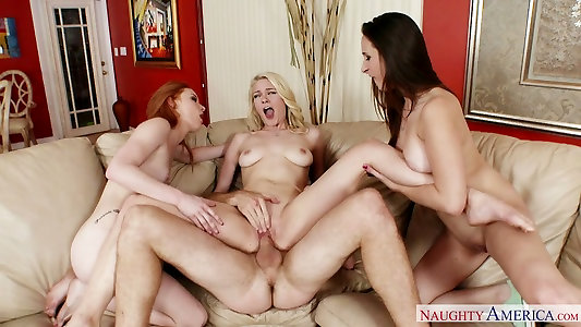 Alex Tanner, Alli Rae and Ashley Adams poke Levi Currency in switch sides group pummel