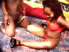 Midget ebony couple