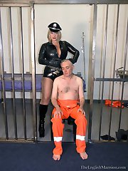 Headshaved by Cruel Warden