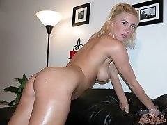 Blonde Amateur Babe Nude In The Shower - Rachael Model