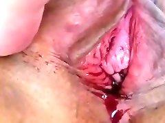 Thai slut's menstrating pussy before pounding