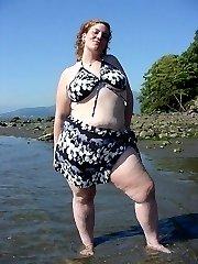 UK BBW at the beach