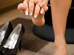 Natalia is here to please showing off her lovely feet and toes!