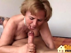 Laura M amp Lucy Love playing