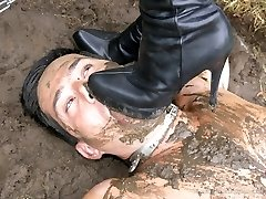 Grubby Mud Pit