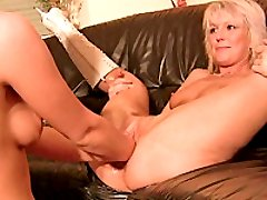 Hot amateur slut double fist fucked in her loose cunt