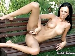 Nature Girl & Natural Pussy