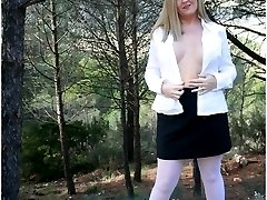 Pantyhose in Public - Real life babes flashing their nylons and pantyhose