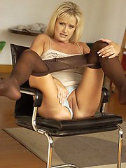 Mature woman in pantyhose