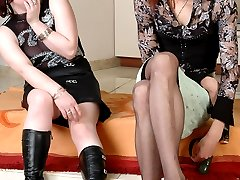 Having a thing for sissy guy naughty babe putting in action her strap-on
