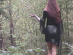 Amateur babe in short skirt in the forest