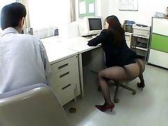 Japansk kontor jente driver meg gal av airliner1