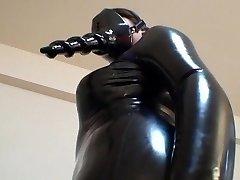 japoneze latex catsuit 02