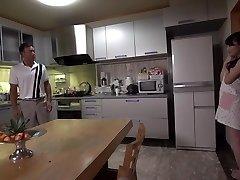 Bästa Japanska chick Ryouka Shinoda i Galen JAV ocensurerad MILFs video