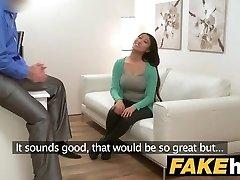 Falso Agente de tetas Grandes Asiática quiere follar duro en el casting couch